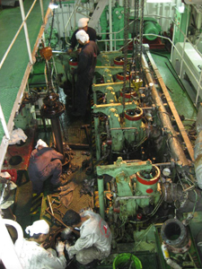 9981MAIN-ENGINE-REPAIR