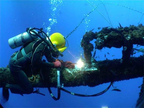 divers-underwater-repairs